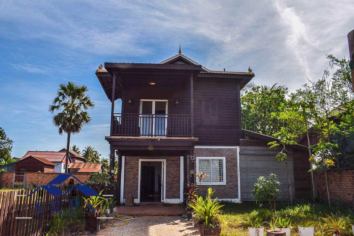 1 bedroom wooden house for rent-Chreav