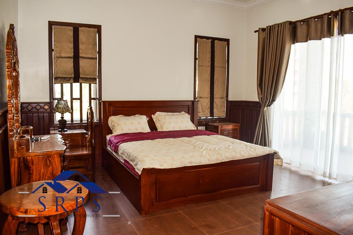 Beautiful wooden 6 bedroom house