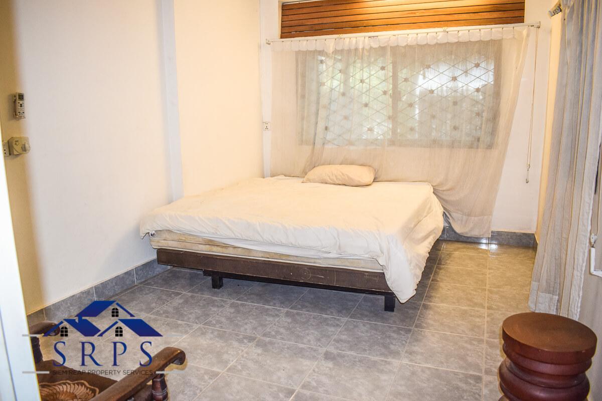 3 bedroom house for rent -Wat Bo