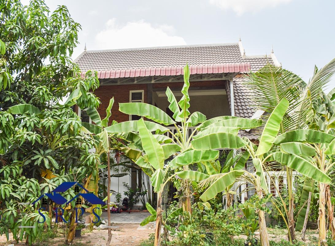 Spacious 2 bedroom house for rent-Salakamreuk